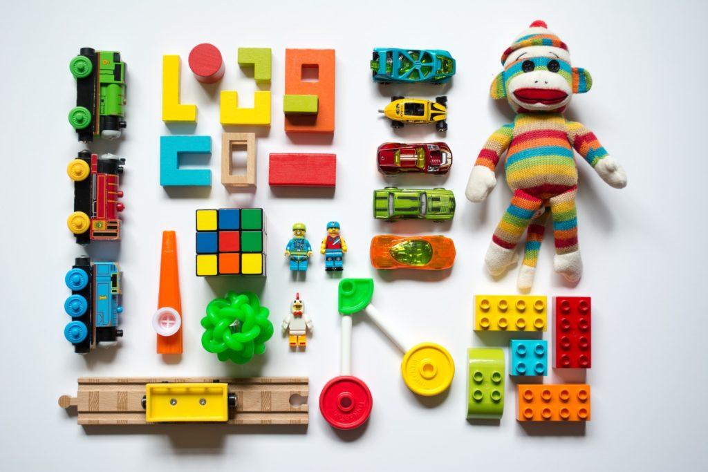 Brinquedos e macaco